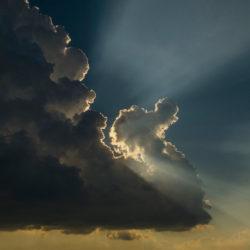 Patrzę w niebo